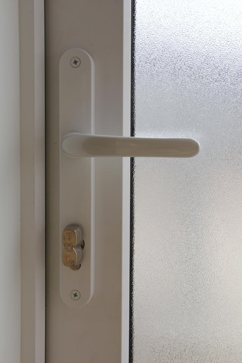 Buitendeurbeslag, sloten en sleutels